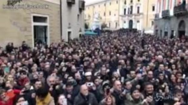 """Arresto Battisti, Salvini a Oristano: """"Ora marcirà in galera"""""""