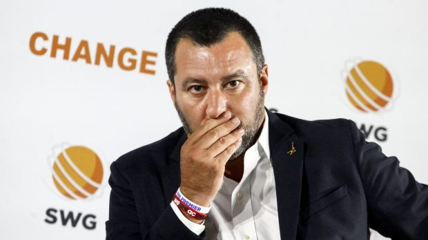 """Salvini: """"Ci chiameremo Lega. Rateizzare fondi? Sono soldi che non ho"""""""
