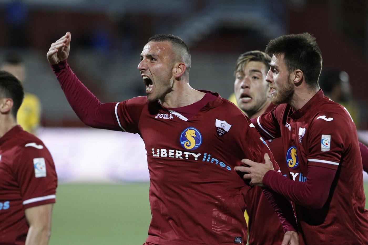 Trapani-Cosenza mercoledì 23 maggio, analisi e pronostico Serie C ritorno playoff