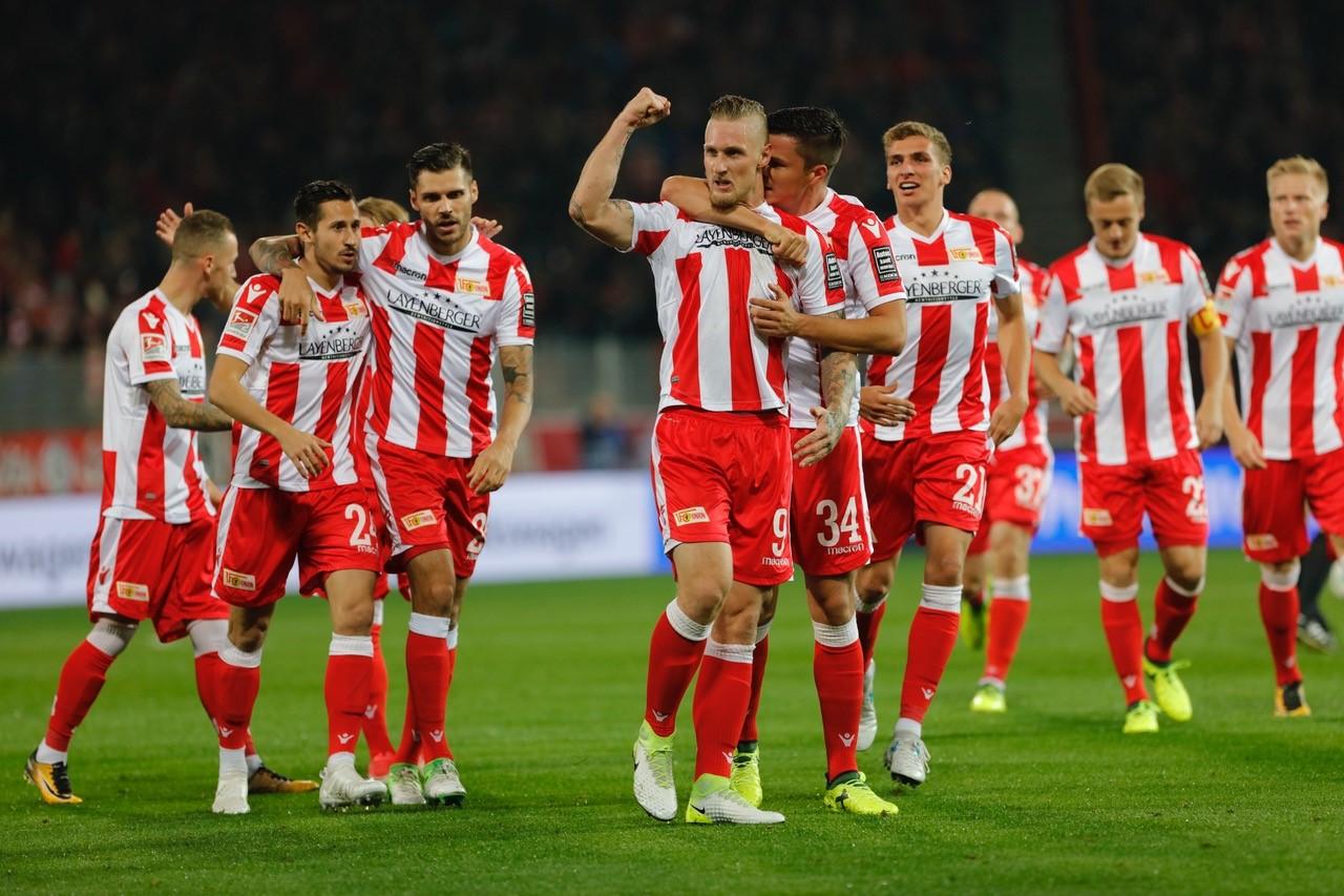 2. Bundesliga domenica 4 novembre. In Germania 12ma giornata della 2. Bundesliga, la seconda divisione. Colonia ed Amburgo prime a quota 21