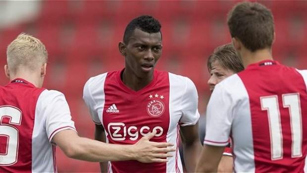 Breda-Ajax sabato 18 novembre, analisi e pronostico Eredivisie