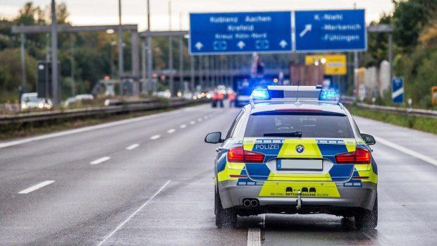 Si ribalta pullman Flixbus in viaggio verso Berlino: 16 feriti