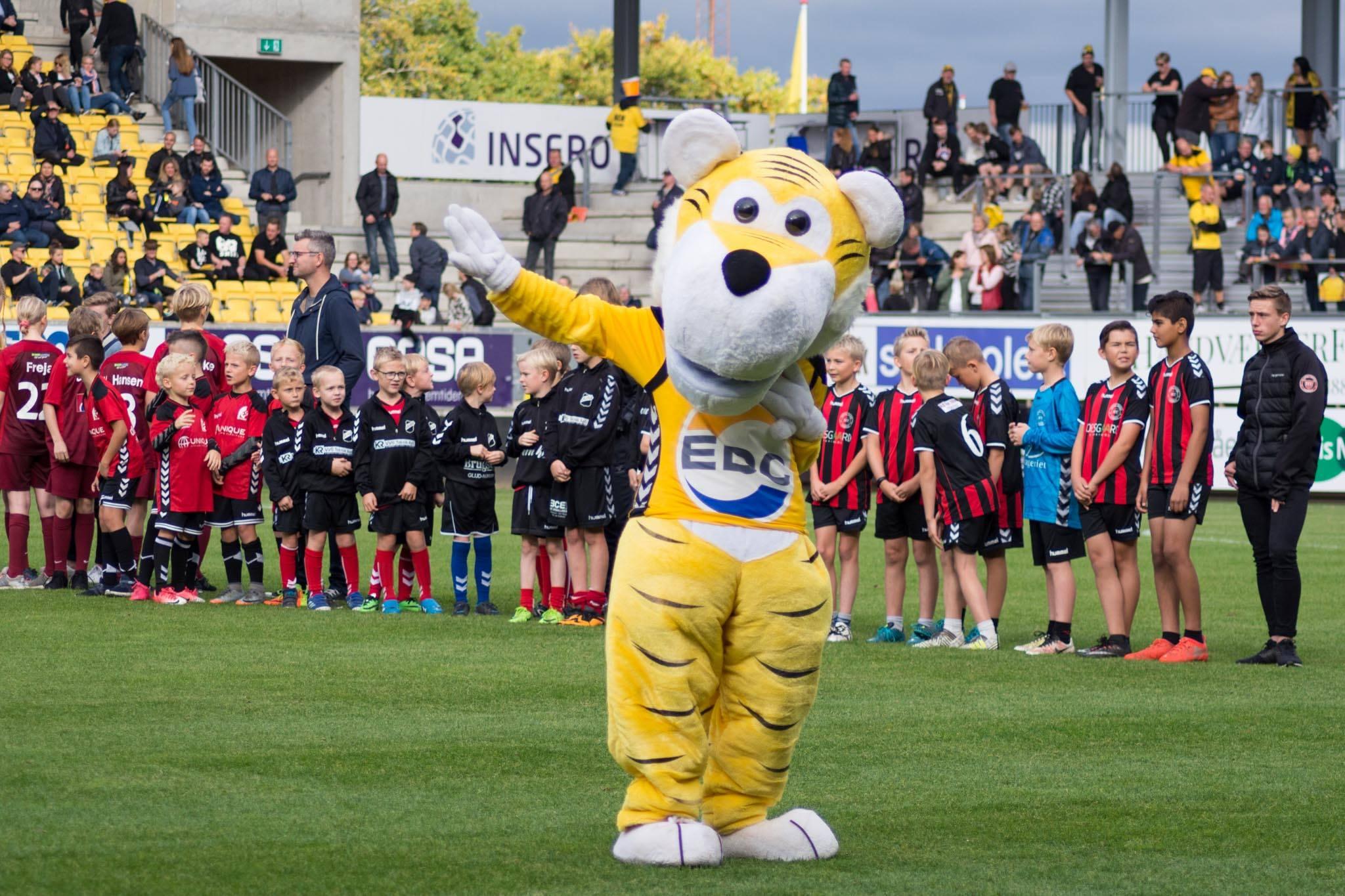 Superliga Danimarca 2 giugno: si giocano 2 gare della massima serie del calcio danese. Si decidono le 2 retrocesse in Serie B.