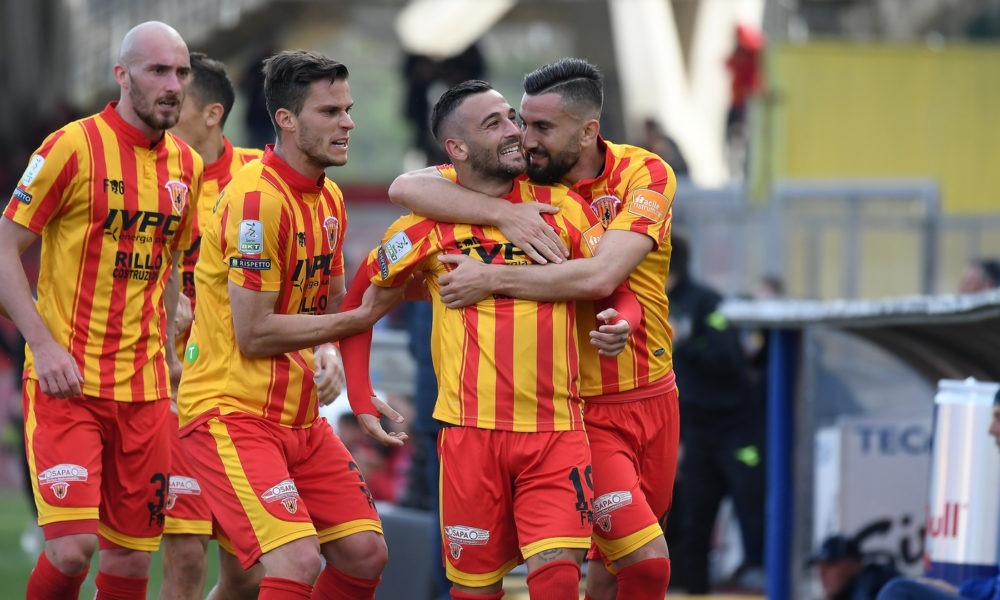 Serie B Benevento-Cosenza venerdì 26 aprile: analisi e pronostico della 35ma giornata della seconda divisione italiana