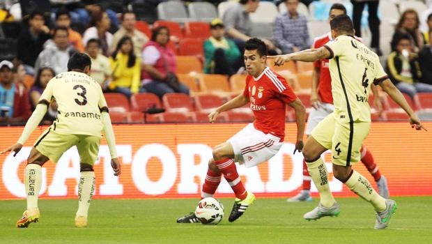 Benfica-AEK 12 dicembre: si gioca per l'ultima giornata del gruppo E di Champions League. Squadre in campo solo per l'onore.