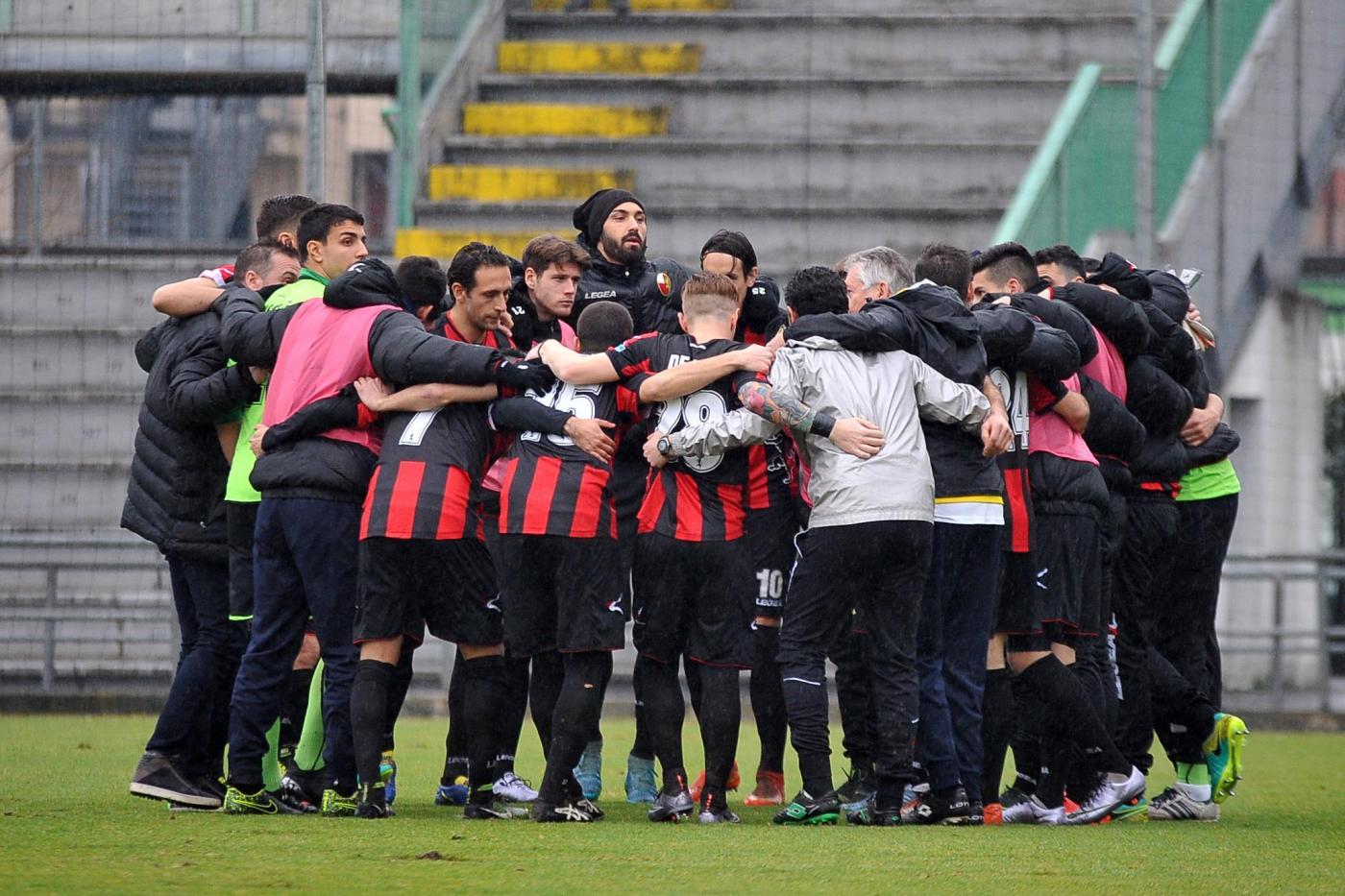 Lucchese-Arzachena 18 ottobre: si gioca per il gruppo A della Serie C. I sardi sono lanciati, ma i toscani non vanno sottovalutati.