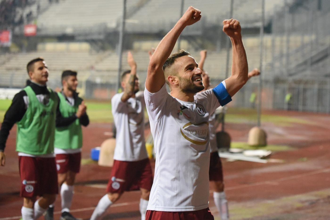 Carrarese-Arezzo 16 marzo: si gioca per la 30 esima giornata del gruppo A della Serie C. Derby toscano per i play-off.