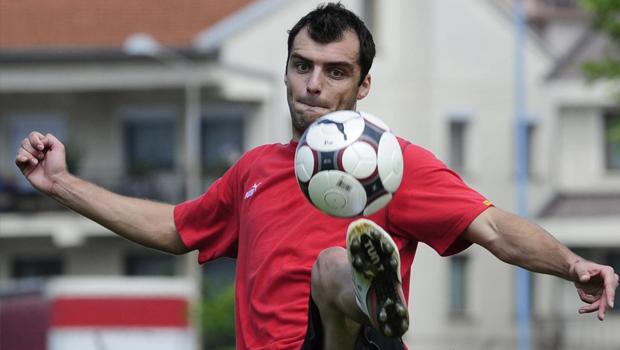 Genoa-Pandev: altra stagione in Liguria per l'attaccante macedone