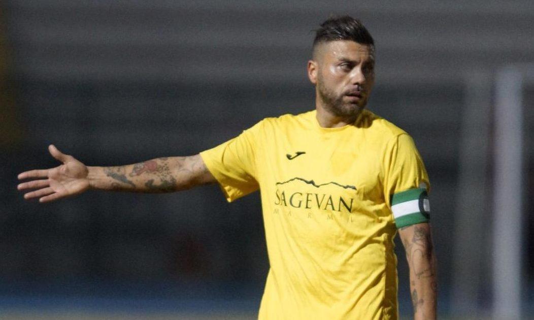 Carrarese-Pistoiese venerdì 11 maggio, analisie pronostico serie C playoff