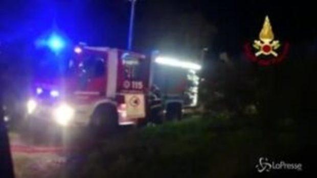 Esplosione nel Messinese, i vigili del fuoco al lavoro
