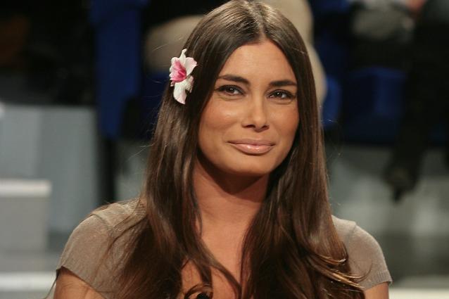 Barbara Chiappini Calendario.Barbara Chiappini A Pomeriggio 5 Presenta Il Figlio Folco