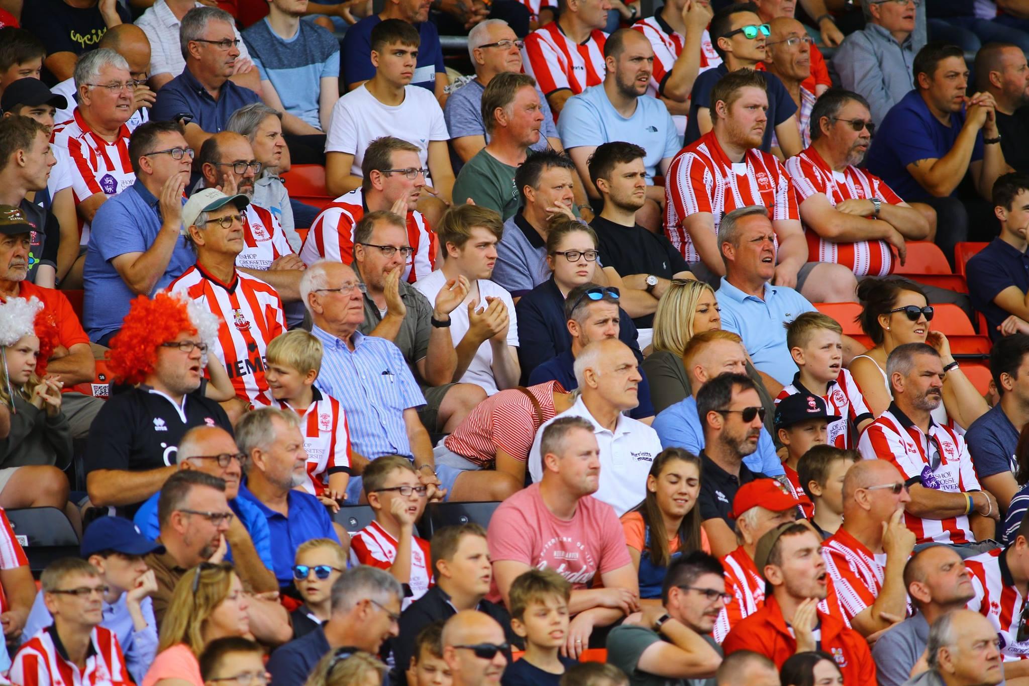 League Two sabato 27 ottobre: in Inghilterra 16ma giornata della quarta serie, la League Two. Lincoln City primo a quota 33, +3 sul Milton Keynes