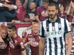 I giocatori del Torino festeggiano l'ultima vittoria in un derby il 26 aprile 2015 Bonucci