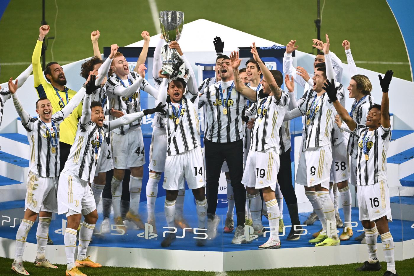 Supercoppa Italiana alla Juventus, le foto della festa dopo il 2-0 al Napoli
