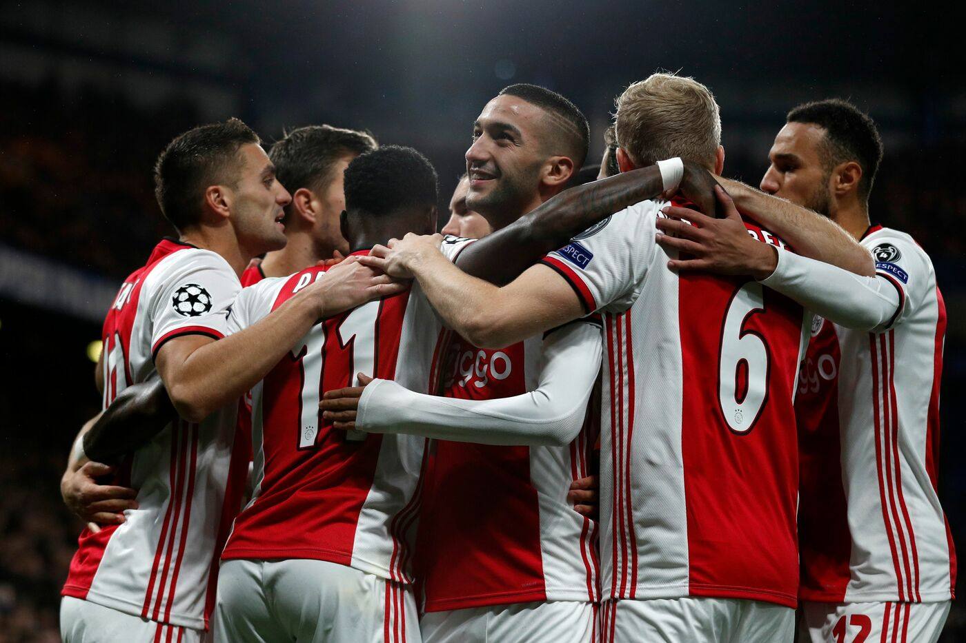 Ajax-Waalwijk pronostico 16 febbraio eredivisie